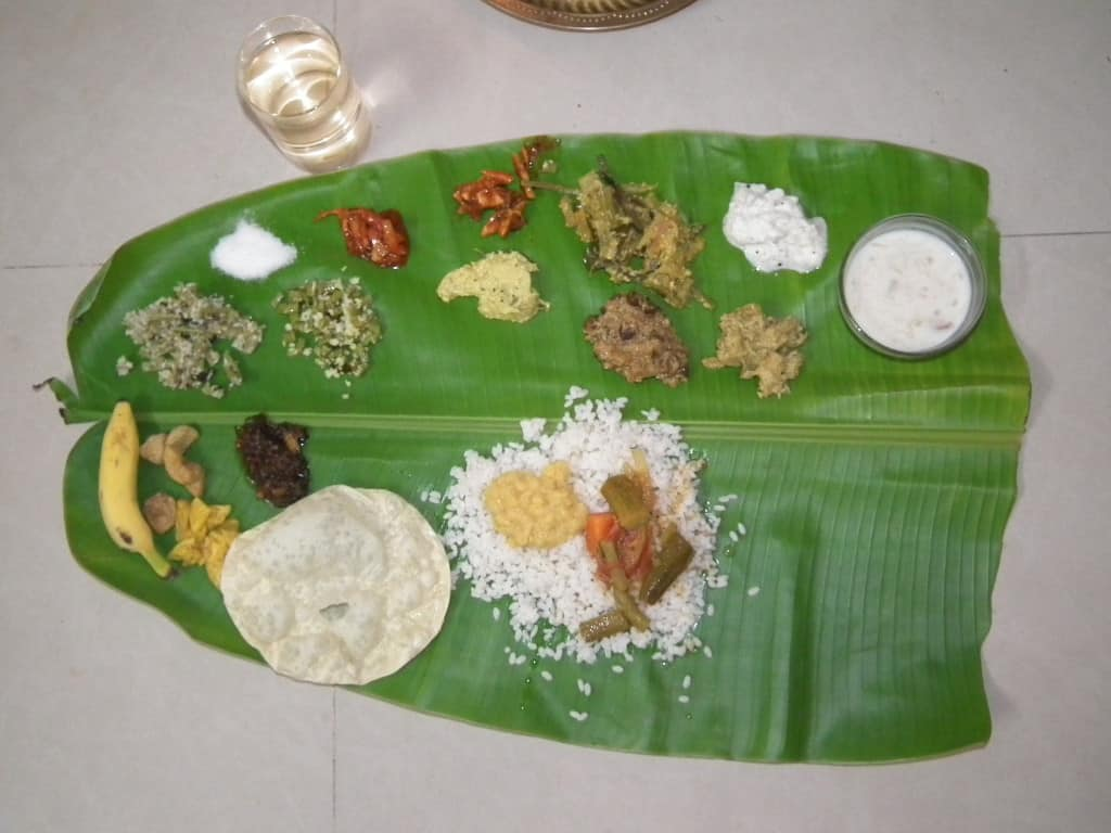 onam_sadya_the_onam_feast_snap_4970-copyby-rameshng-own-work-cc-by-sa-3-0-http-creativecommons-orglicensesby-sa3-0-via-wikimedia-commons