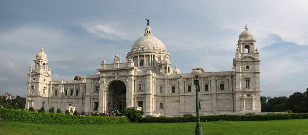 victoria_memorial_calcutta-by-anourag-own-work-cc0-via-wikimedia-commons