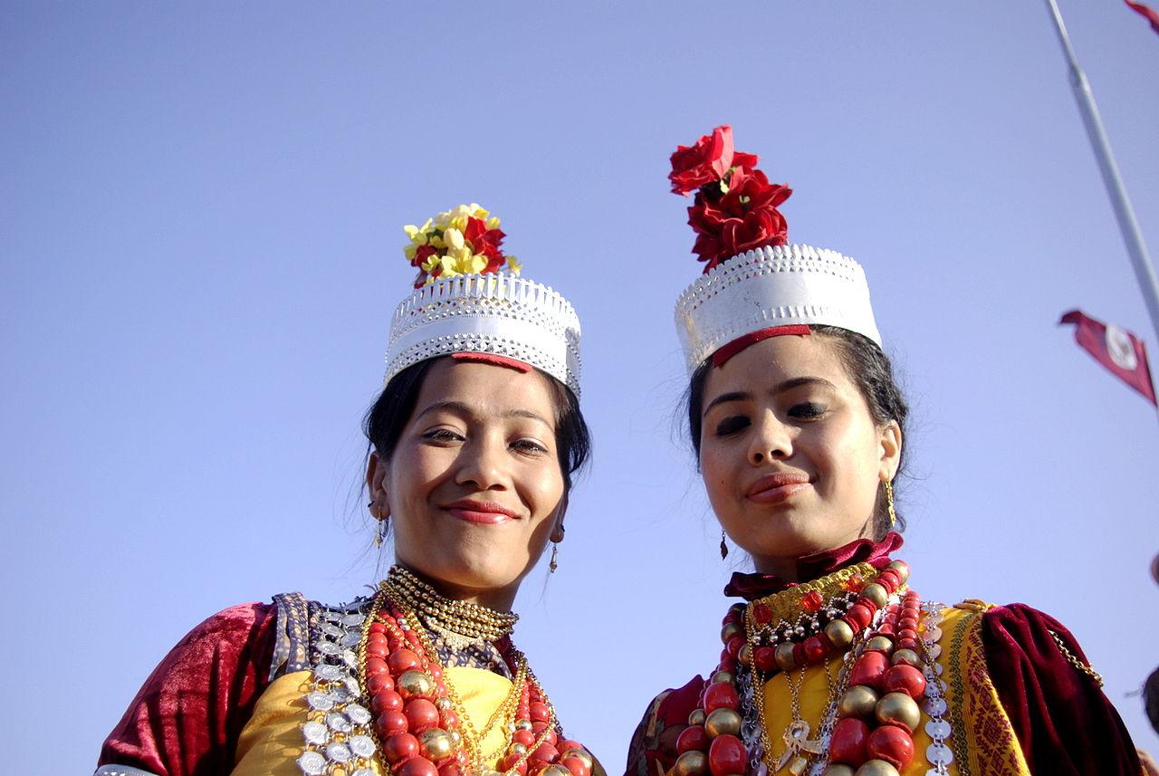 Khasi girls. Image courtesy of Bogman via Creative Commons.